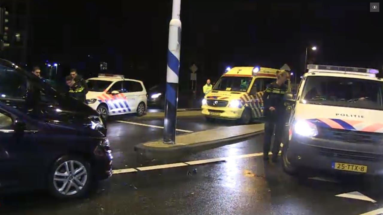 Taxi's beschadigd na botsing in Noord