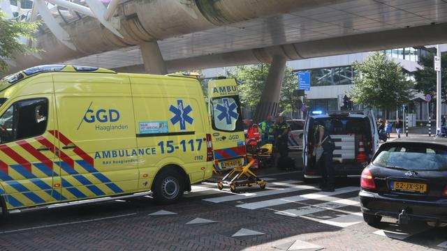 Scooterrijder zwaargewond na uitglijden op Prinses Marijkestraat