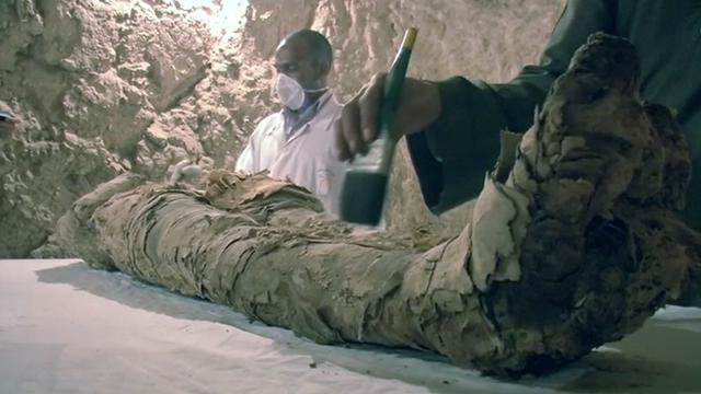 Meer dan 3500 jaar oude mummie opgegraven in Egypte