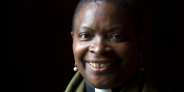 Anglicaanse Kerk krijgt eerste vrouwelijke bisschop met donkere huidskleur