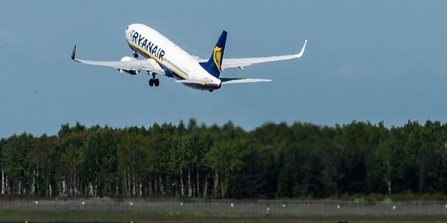 Ryanair ergert zich aan vertraagde openstelling Lelystad Airport