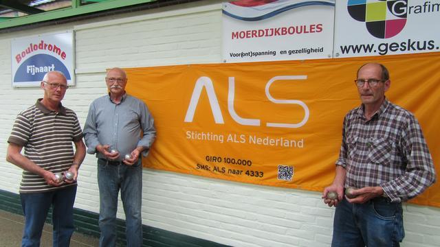 Jeu de Boulesclub Fijnaart gooit voor ALS