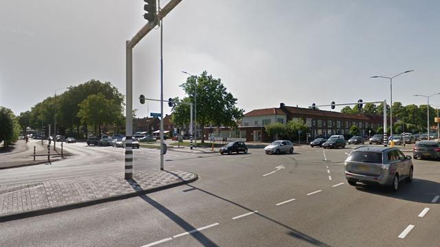 Twee auto's op elkaar gebotst op Hastelweg