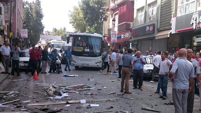 Aanslagen in Turkije op twee kantoren pro-Koerdische partij