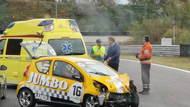 Zangeres Romy Monteiro gecrasht op Circuit Zandvoort