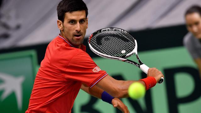 Djokovic zet Servië op comfortabele voorsprong in Davis Cup