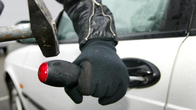 Auto's vakantiegangers in Domburg gestolen