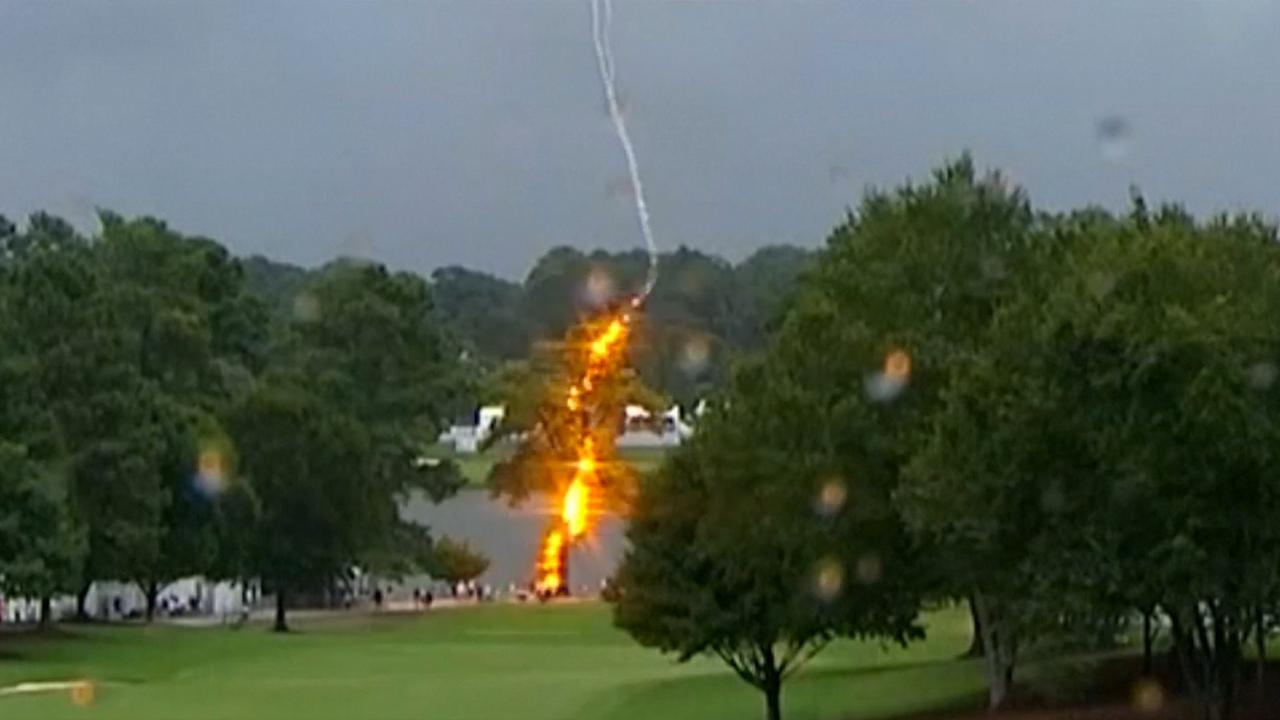 Bliksem slaat in tijdens druk golftoernooi in Atlanta