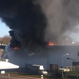 Grote brand in schildersbedrijf in Oosterhout onder controle