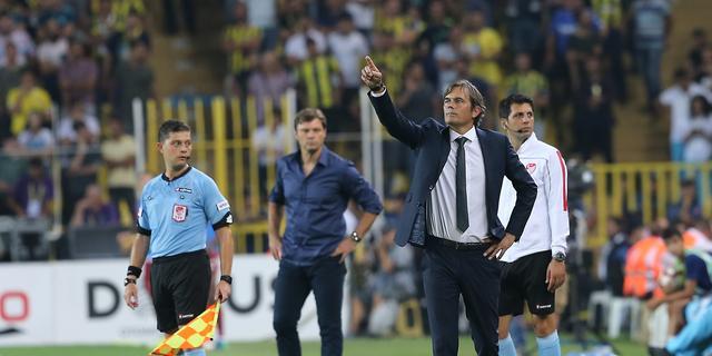Cocu verder onder druk bij Fenerbahçe na pijnlijke nederlaag
