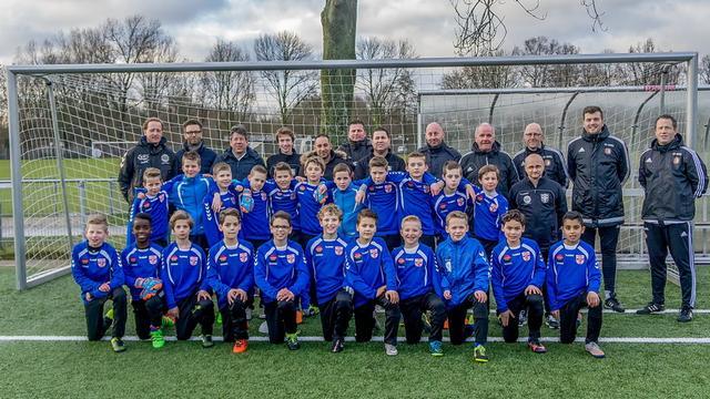 Feyenoord traint E-selectie van voetbalclub RCL