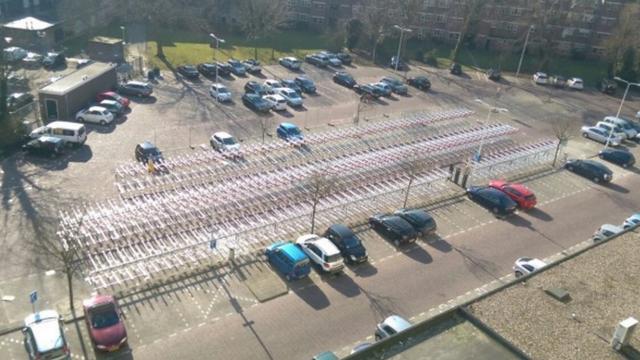 Extra fietsenstallingen bij station Leiden geplaatst