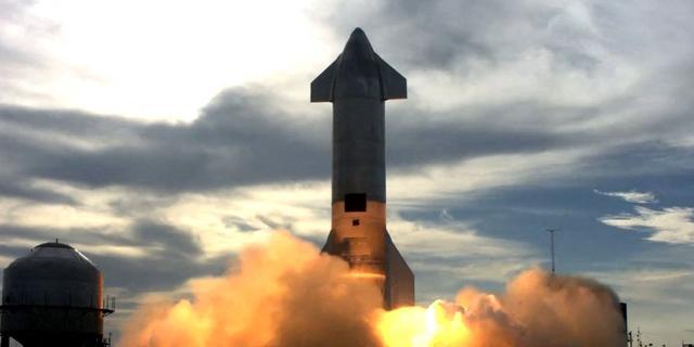 Raket van SpaceX explodeert bij nieuwe test wederom tijdens landing