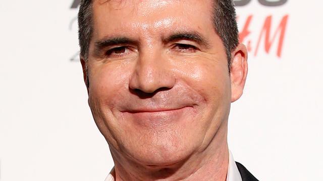 'Simon Cowell aan de beterende hand na val van trap'