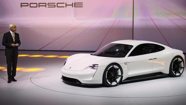 Porsche presenteert volledig elektrische conceptcar