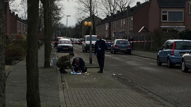 Zelfgemaakt explosief onder auto in Valkenswaard gevonden