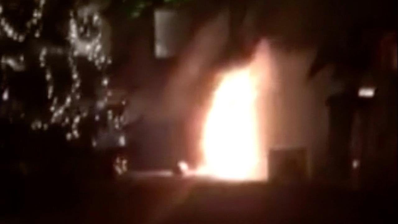 Twee gewonden door brand in oliebollenkraam