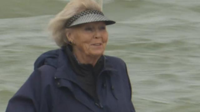 Beatrix viert Zuiderzeewet op eigen jacht Groene Draeck