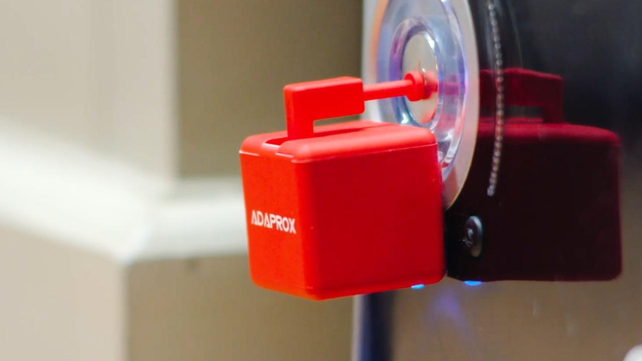Robotvinger maakt alle apparaten in huis 'slim'