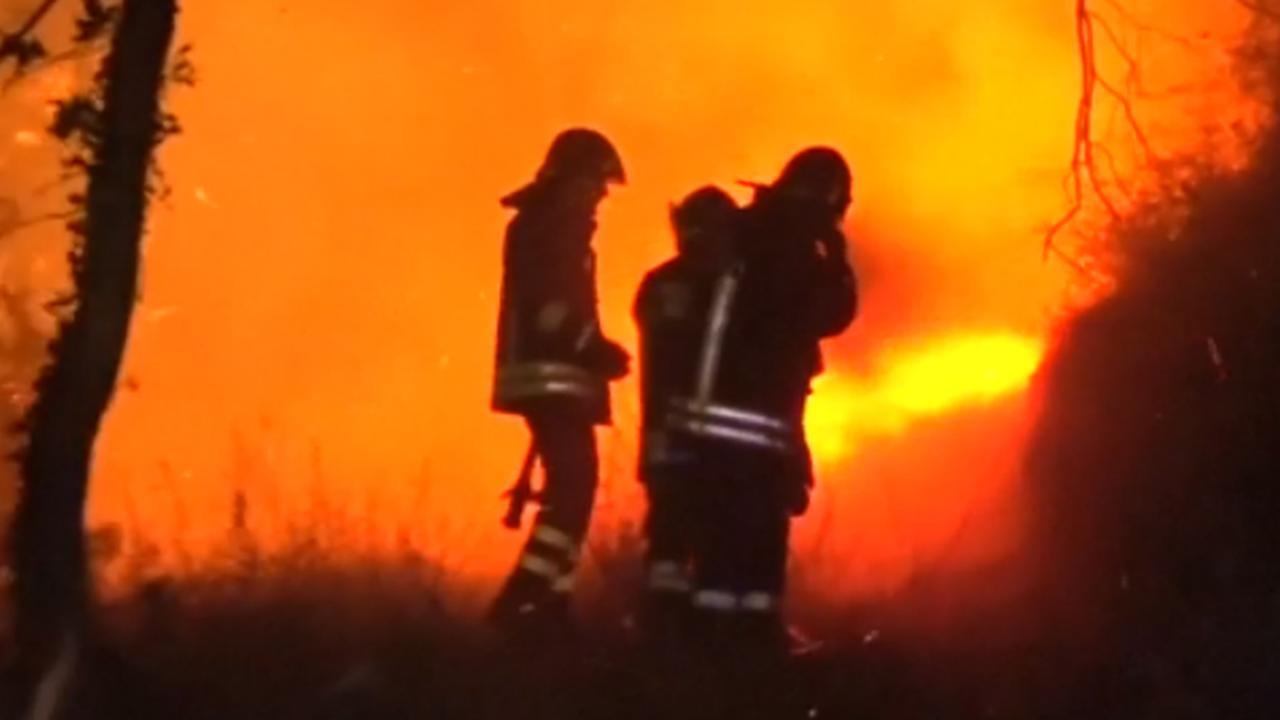 Brandweer druk met groeiende bosbrand in Noord-Italië