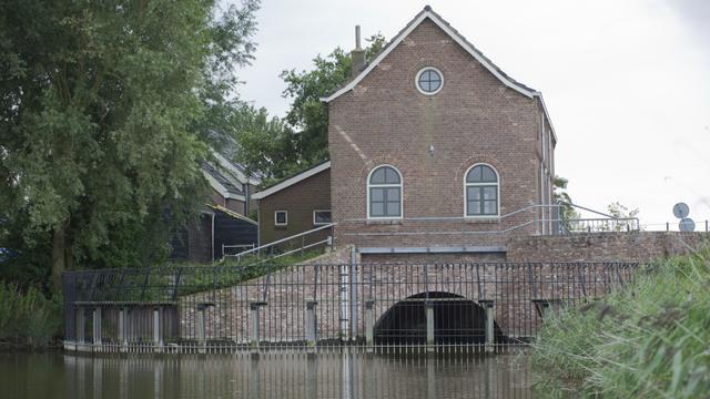 Waterschap vernieuwt gemalen bij Oostdijk en Driewegen