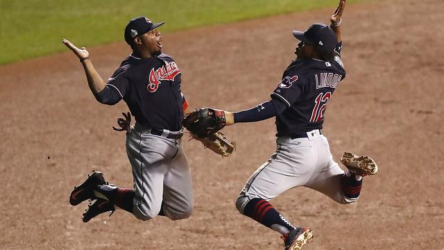 Cleveland Indians verpest feestje Chicago Cubs in World Series