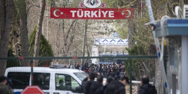 Griekenland scherpt grenscontroles aan na vluchtelingenstroom uit Turkije