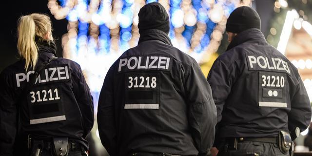 Vier zwaargewonden in Duitsland nadat man inrijdt op buitenlanders
