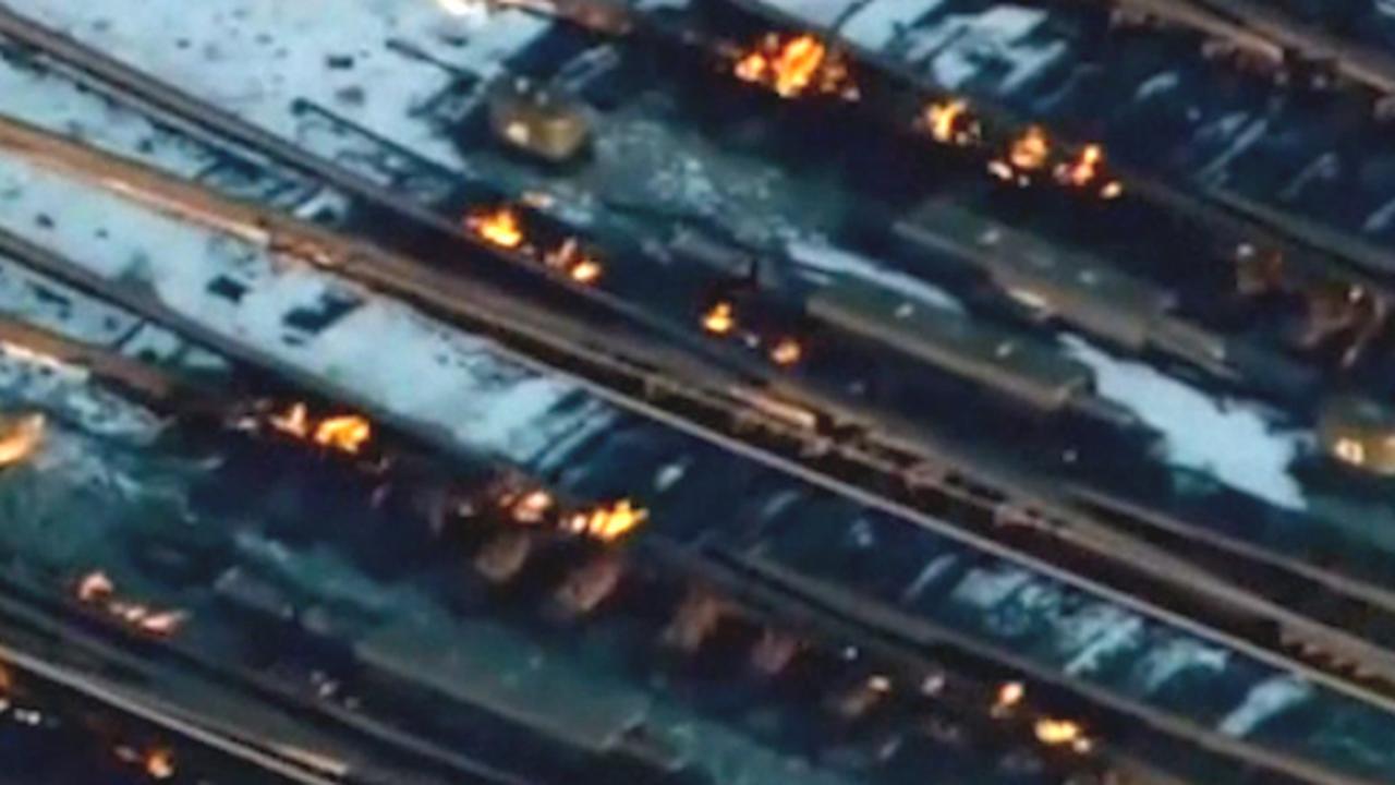 Treinpersoneel zet spoor in brand om extreme kou in Chicago