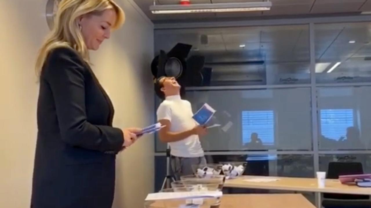 Jan Smit oefent met Chantal Janzen voor het Songfestival