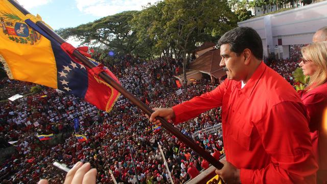 President Venezuela sluit ambassade en consulaten in Verenigde Staten