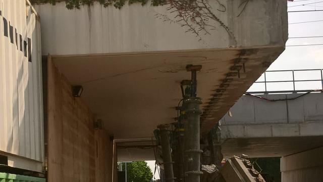 Cartesiusweg afgesloten door instabiel spoorviaduct