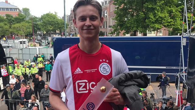 Frenkie de Jong uitgeroepen tot Speler van het Jaar in Eredivisie