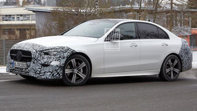 De aanstaande Mercedes C-Klasse is direct als zodanig herkenbaar.