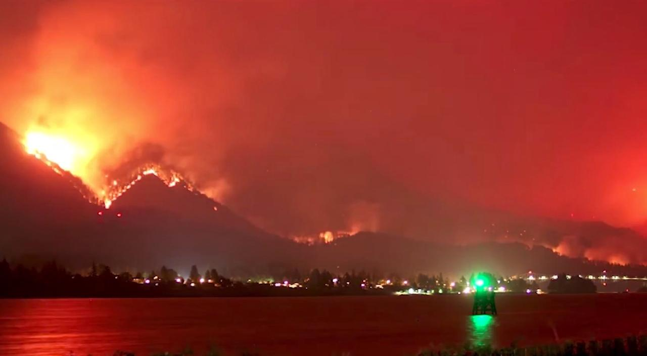 Timelapse van natuurbrand in Eagle Creek Canyon Oregon