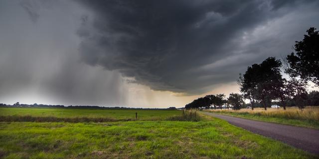 Stevige hagel- en onweersbuien hinderen oosten van het land