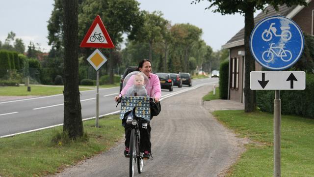 Roosendaal start met asfalteren vier fietspaden