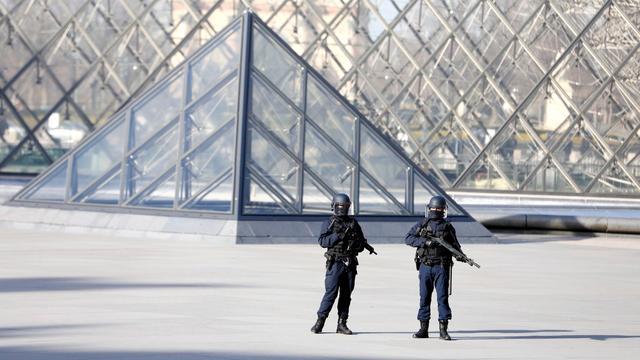 Terreurverdachte Louvre-aanval weigert te praten