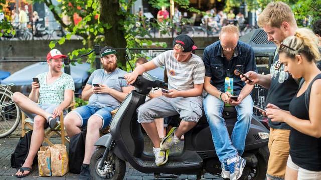 Honderden Pokémon-jagers in Utrecht