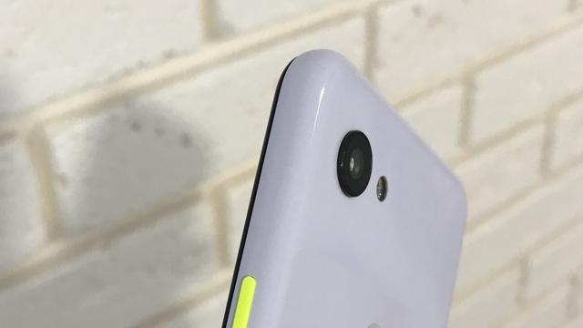 Gelekte afbeeldingen tonen budgetversie Pixel 3-telefoon