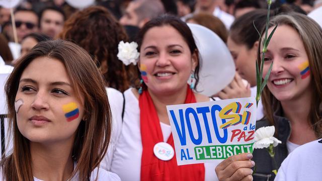 FARC en Colombia ondertekenen vredesakkoord