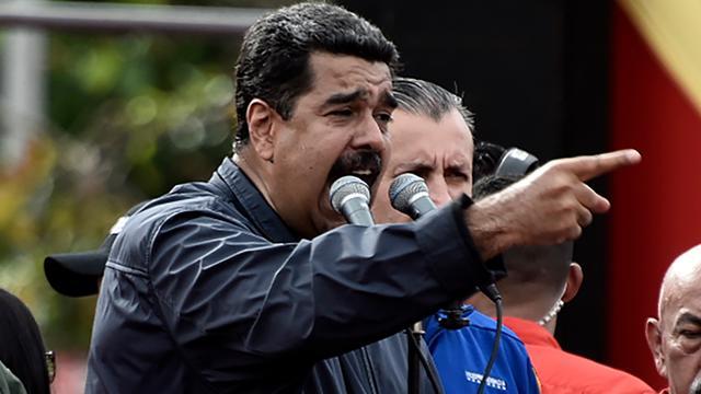Venezolaanse president Maduro stuurt aan op nieuwe grondwet