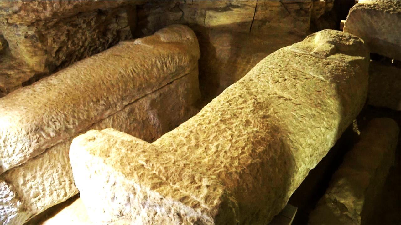 Egypte ontdekt sarcofagen in drieduizend jaar oude tombes