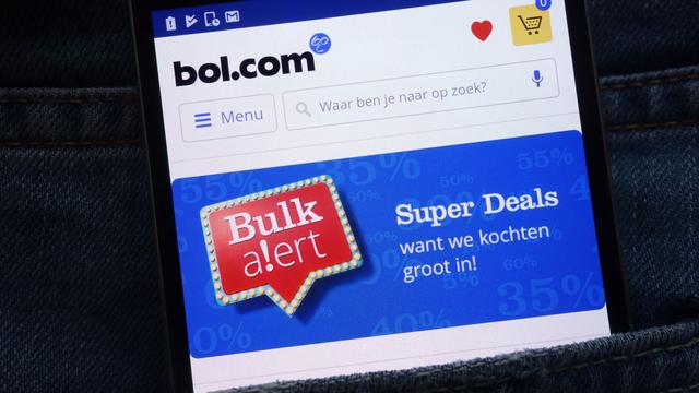 Bol.com grootste online webshop, Albert Heijn dringt top drie binnen
