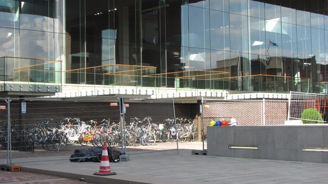 NS heeft geen verklaring voor vallende stenen station Breda