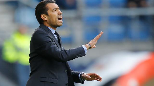Gemengde gevoelens bij Van Bronckhorst na debuut als hoofdcoach