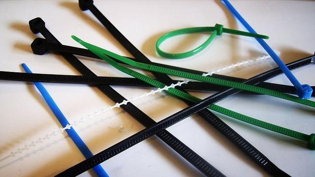 Gemeente wil biologisch afbreekbare tie-wraps voor handhavers