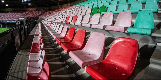 Kabinet geeft toestemming voor tests met fans binnen 1,5 meter in stadions