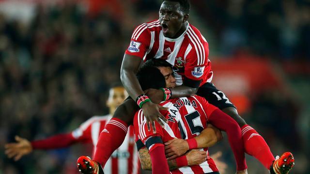 Southampton mede dankzij prachtige goal Martina veel te sterk voor Arsenal