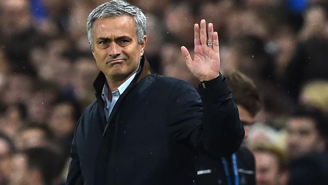 Opgeluchte Mourinho bedankt Chelsea-fans voor steun